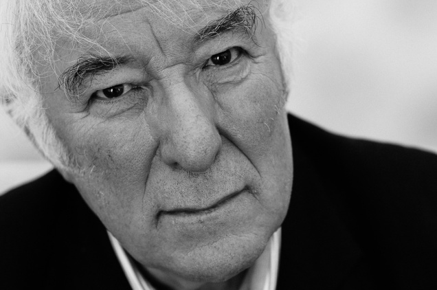 Celebrated Irish poet Seamus Heaney pictured in the green room at the Guardian Hay Festival 2006. Picture by Justin Griffiths-Williams. 29/5//06 All rights ©2006 Justin Griffiths-Williams Tel:02085339882 Mob:07850053473